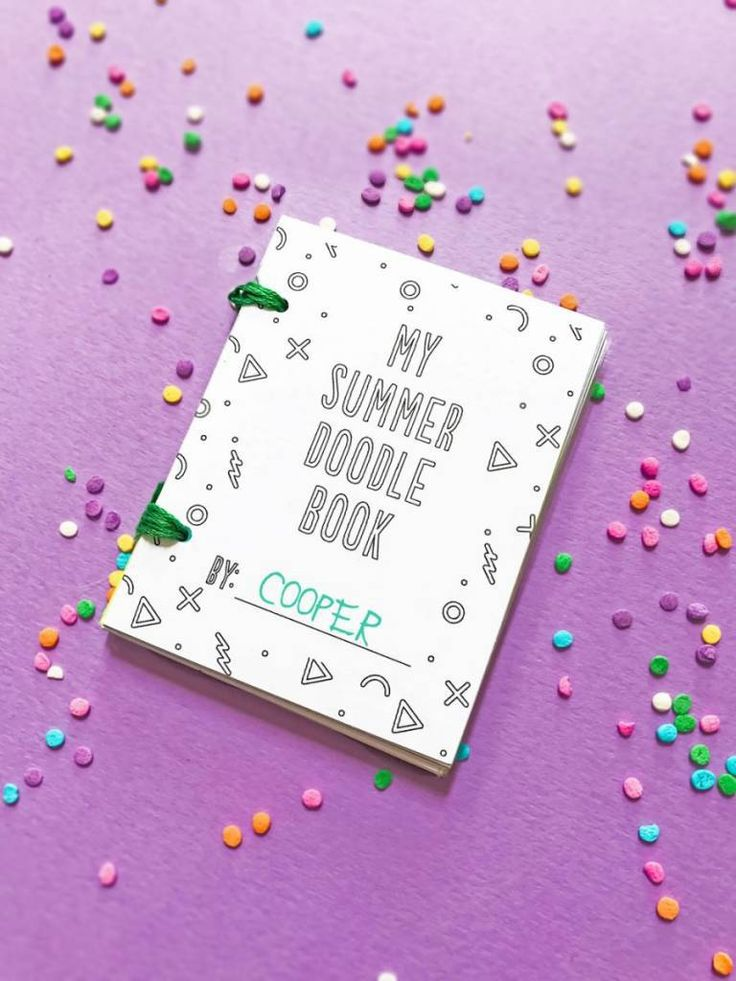 Whip up these cute mini summer doodle books, with free printables from hello, Wonderful. Your kids (or you) will love having these cuties close to hand on these extra hot days! Here's what Yo…