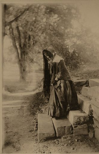 Calls in Cranford, ca. 1900 by the Allen Sisters (love old pics!)