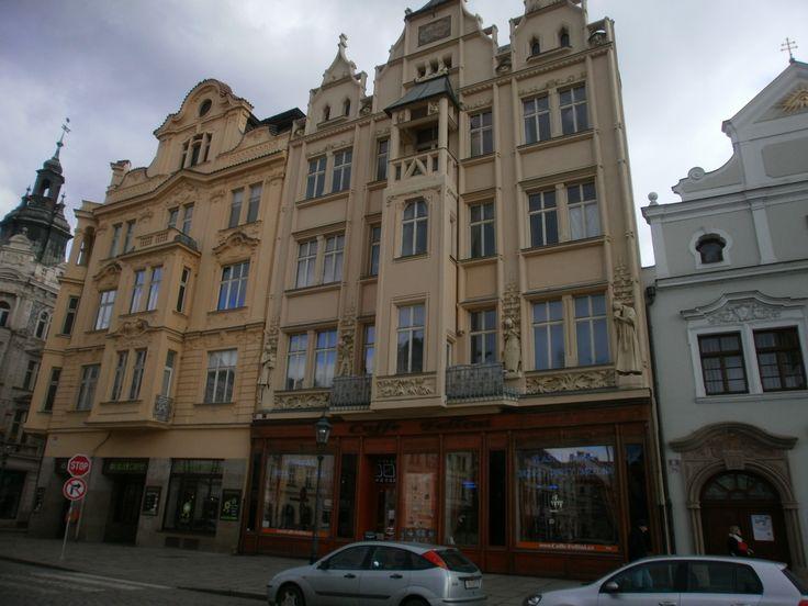 Historické domy na Náměstí Republiky.