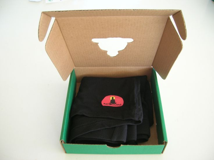 This 95%bamboo/5%spandex, plain black boxer is at only $9.00 until the 22nd of June. The bamboo boxers are softer, with its natural anti-bacterial agent, it will fight the odours more efficiently when you have to work hard.  The bamboo boxers are suitable for people with a sensitive skin type. http://bamboodha.com.au/bamboo-mens-boxer/