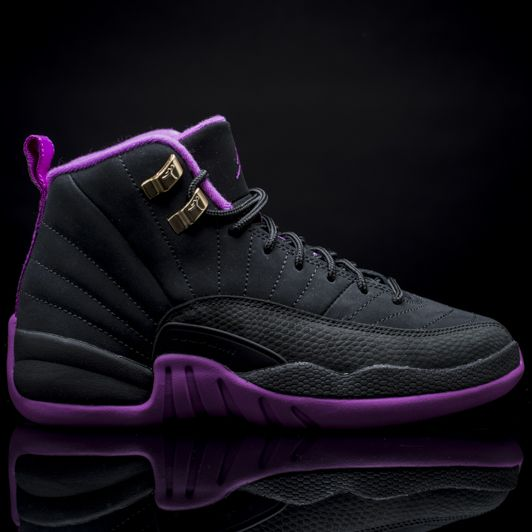 Girls Grade School Air Jordan Retro 12 'Hyper Violet'
