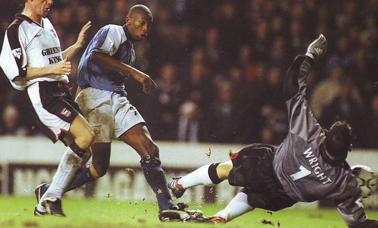 Man City 1 Ipswich Town 2 in Dec 2000 at Maine Road. Richard Wright makes a great save from Paolo Wanchope in the League Cup 5th Round.