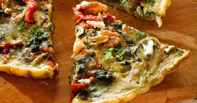 Recette de Quiche légère à l'italienne aux épinards, tomates séchées et noix. Facile et rapide à réaliser, goûteuse et diététique.
