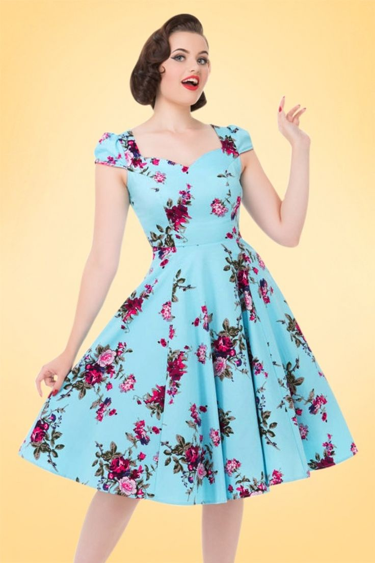 Feel like a classic beauty in this 50s Bonnie Floral Swing Dress! Wow, this stunning timeless 50s vintage classic exudes pure elegance... Made from a light stretchy, light blue cotton blend with a breath-taking flower print for a lovely fit. This one will conquer your heart!   Sweetheart neckline Puffy cap sleeves Hidden zipper at the side Pair with one of our petticoats for an extra festive look Hits just below the knee with a height of 1.70m / 5'7'' The featured accessories are not a...