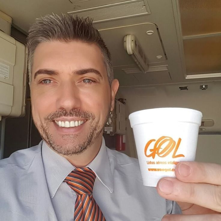 From @edscor Bom dia! Alguém aceita um café? #instacrewiser #flightattendant #comissariodevoo #cabincrew #crew #coffee #timedeaguias #voegol @tripulantes_brasileiros #aircrews #flightattendantclub #cabincrewlatino #crewme #timedeaguiasoficial @crew.me #crewiser #travel #avgeek #airhostess #airplane #fly #pilot #layover #crewlife #flightattendantlife #steward #cabinattendant #cabincrewlifestyle #airlines #crewlifestyle #crewfie #plane