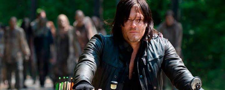 """'The Walking Dead': Esto es lo que realmente comía Daryl en 'The Cell'  Cuando comía comida de perro en 'The Cell', ¿qué era en realidad?  El último capítulo emitido de The Walking Dead, 'The Cell', ha dejado muchas incógnitas entre sus seguidores, pero la que seguramente ha pasado por la cabeza de todos los espectadores es: ¿qué llevaban realmente esos sandwiches de comida de perro que comía Daryl? El actor ha hablado con TVGuide y ha respondido a esta pregunta:  """"Creo que es como Spam con…"""