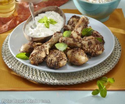 Kořeněné kuřecí paličky s rajtou (Indie)