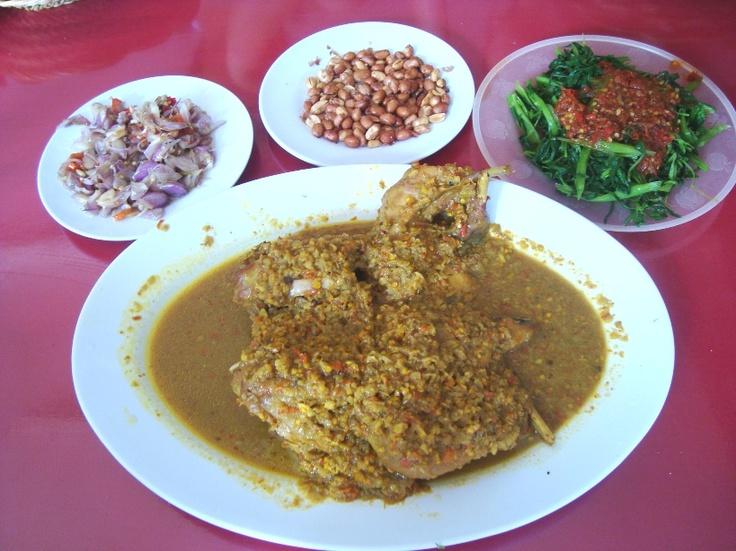 Ayam Betutu Gilimanuk, Jl. Raya Tuban, Bali.