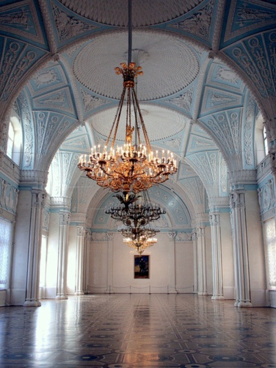 gorgeous ballroom - like being inside a giant Faberge egg!