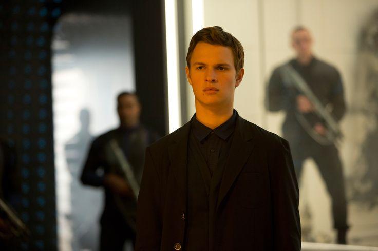 Ansel Elgort as Caleb Prior in movie Insurgent