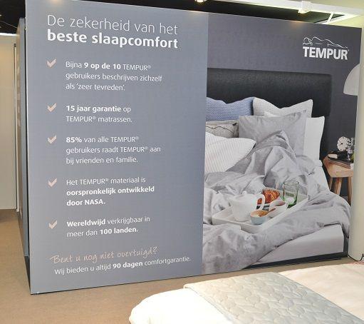 TEMPUR Experience cabine  Kom bij Slaapkenner Theo Bot proefliggen op de druk verlagende TEMPUR matrassen en maak een keus uit de TEMPUR Original, Sensation, Cloud of Hybrid kwaliteit. Kies een TEMPUR bedbodem met of zonder massage. Ook een comfortabele en Ergonomische TEMPUR hoofdkussen verbeterd de nachtrust.  Slaapkenner Theo Bot   Dorpsstraat 162 in Zwaag ( gemeente Hoorn).