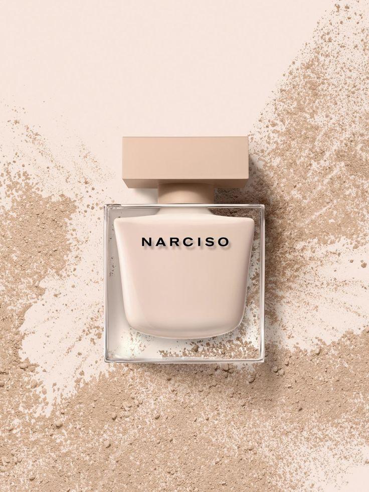 Narciso Rodriguez: Narciso eau de parfum Poudrée - Si tratta di una nuova creazione olfattiva realizzata da Narciso Rodriguez, nata per raccontare la storia di un attimo sospeso nel tempo. - Read full story here: http://www.fashiontimes.it/2016/05/narciso-rodriguez-narciso-eau-de-parfum-poudree/