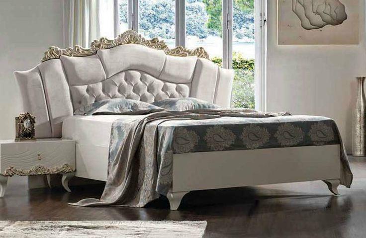Королевская кровать Saltanat от Weltew - воплощение высокого благородного стиля. Мягкое изголовье декорировано золотой каймой. Каркас сделан из экологически чистого материала - МДФ. Такая кровать станет достойным акцентом в спальне.