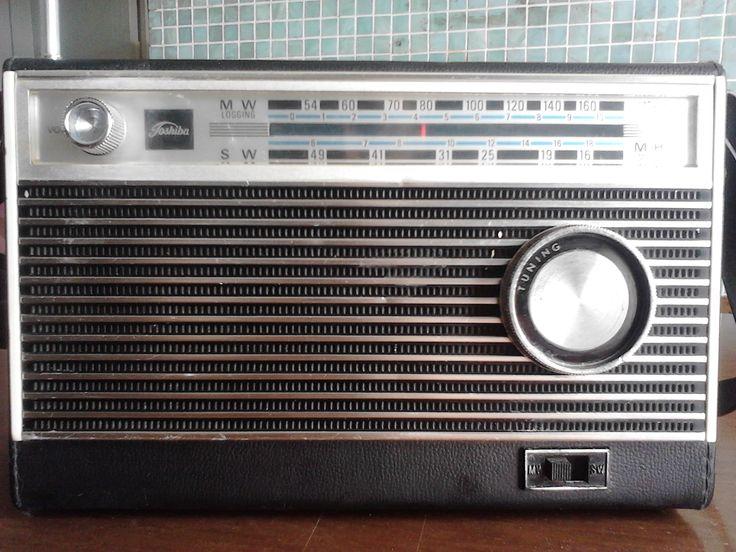 Radio Toshiba AM , Japon , funciona muy bien