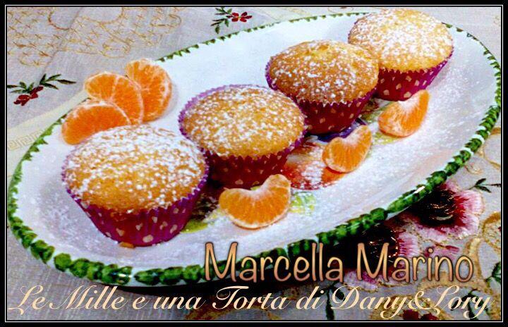 RICETTA DI: MARCELLA MARINO INGREDIENTI: 240g farina 00 160g di zucchero 2 uova mezza bustina di lievito per dolci 100ml di olio di semi 120ml di succo di