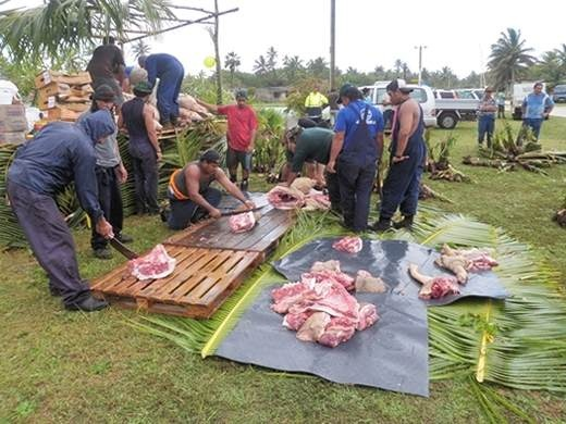 Preparing the feast for a Niuean hair cutting ceremony