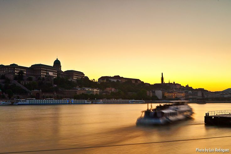 Sunset in the Danube river (Budapest, Hungary)