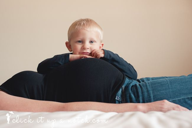 pregnant picture with toddler. love love love this! have to do it!!