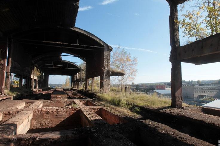 Z některých částí Poldi Kladno jsou ruiny.