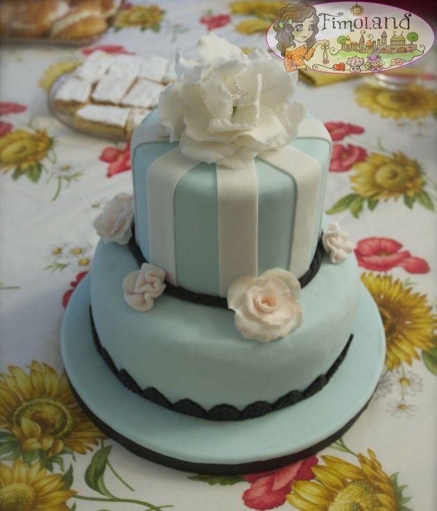 torta fiorita in pasta di zucchero.. con fiore peonia... cake design