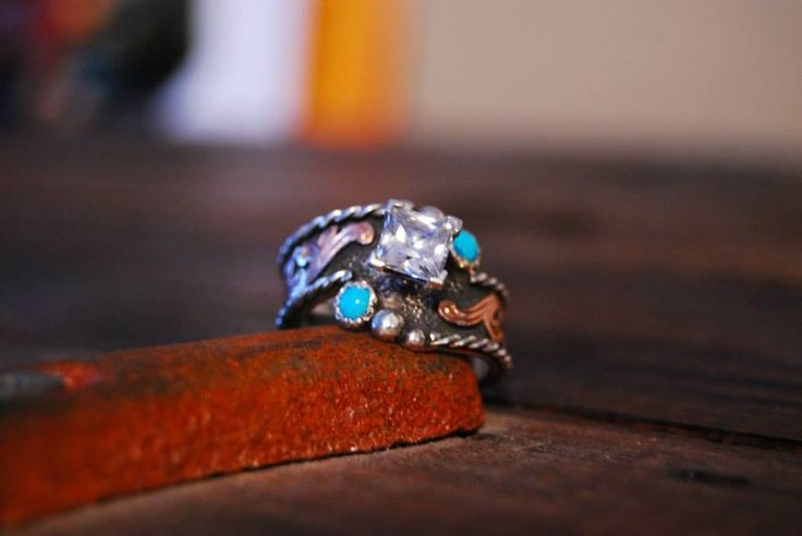Jensen Silver western ring.. Gorgeous turquoise.