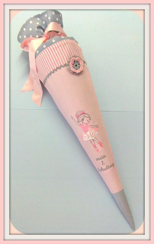 **Stickdatei / Stickmuster kleine Ballerina / Tänzerin / Mädchen in Redwork und Fransenapplikation / Doodle.**  Das Motiv ist für den **13x18cm Rahmen**.   **ACHTUNG!!! Es handelt sich um ein...