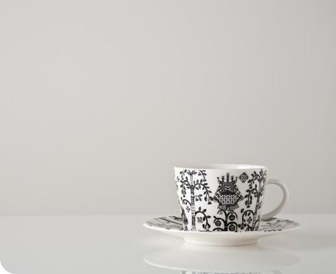 Porcelain (made by Ittala).  Illustration by Klaus Haapaniemi.   Design by Heikki Orvola.