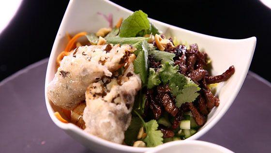 - Bœuf mariné - Pickles- Confit d'oignon à l'huître