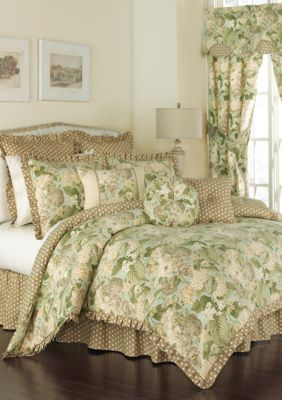 best 25 king comforter ideas on pinterest bed bath beyond kate spade bedding and bedding sets. Black Bedroom Furniture Sets. Home Design Ideas