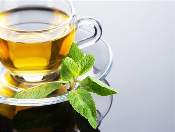 Yeşil Çay, içerdiği kateşin sebebiyle kilo kontrolünde ve vücut yağını azaltmada önemli olduğu görülmüştür.