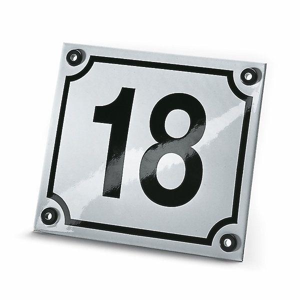 Stahlblech bombiert, emailliert. Die Ziffern werden mittels Maske aufgebürstet und damit sehr wetterbeständig. - Hausnummer Emaille