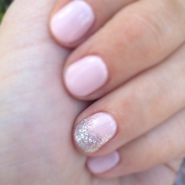 maniNails Art, Accent Nails, Wedding Nails, Soft Pink, Rings Fingers, Pink Nails, Pale Pink, Glitter Nails, Wedding Manicure