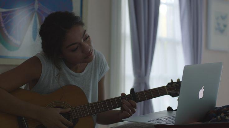 Apple - The Song Il nuovo spot emozional-natalizio di Apple.