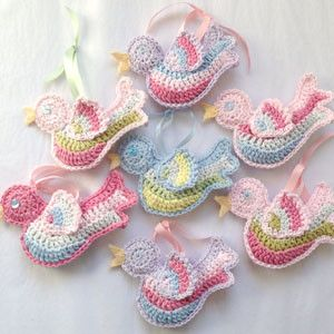 free crochet bird pattern from rubyandcustard.com
