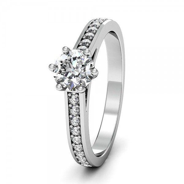 Le Pavee Verlobungsring mit handgefassten Steinen.  #Solitaire #Diamantring #Verlobung #VERLOBUNGSRING.de