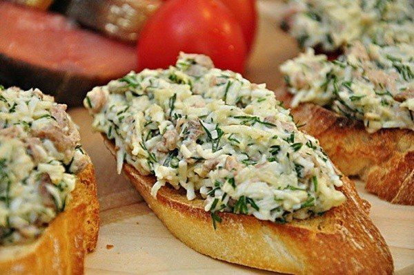 Закусочные бутерброды с печенью трески и сыром » Кулинарные рецепты