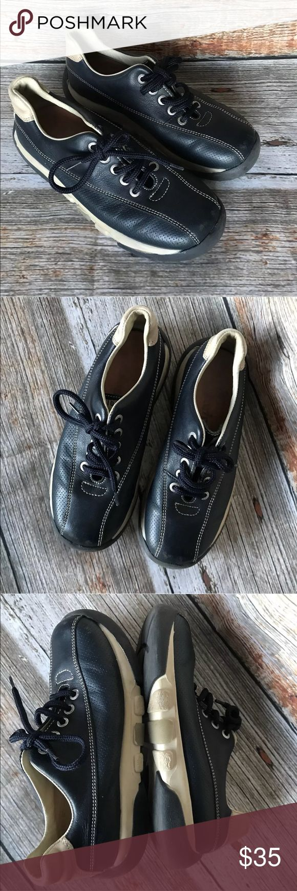 Naturino Falc Blue Leather kids shoes size 2 Genuine leather with the Vero Cuoio stamp of approval.  Boys walking school shoes.  Size 33 youth  USA 2  Navy blue with tan  Smoke/Pet free home Naturino Shoes Sneakers