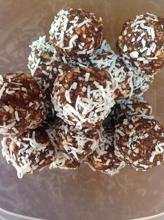 3 Sugar free treats: Raw bliss balls, Chocolate quinoa trail mix, Fudge slice