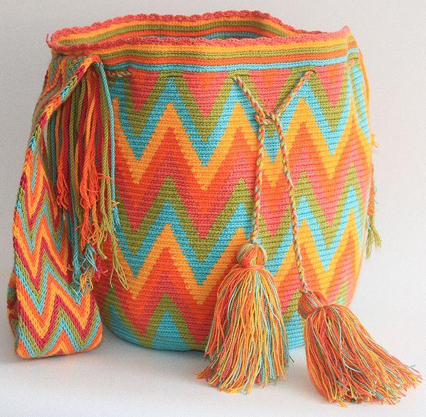 Beatiful Wayuu Colombian Mochila!! www.wayaarte.com