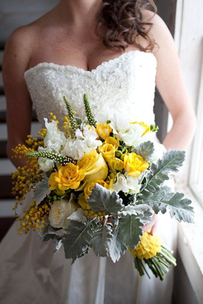 Rustic Vintage Ivory White Yellow Bouquet Garden Spring Summer Winter Wedding Flowers Photos & Pictures - WeddingWire.com