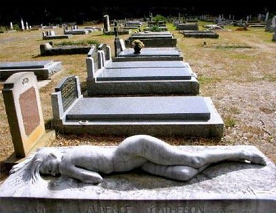 The Pictures Blog of Mr. MaLao's: Strangest Headstones (Part 1)