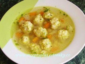 zeleninova-s-knedlicky-z-michanych-vajec.