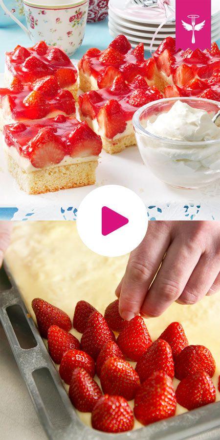 Erdbeerkuchen vom Blech – das klassische Rezept mit Pudding