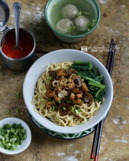Chicken mushrooms noodles