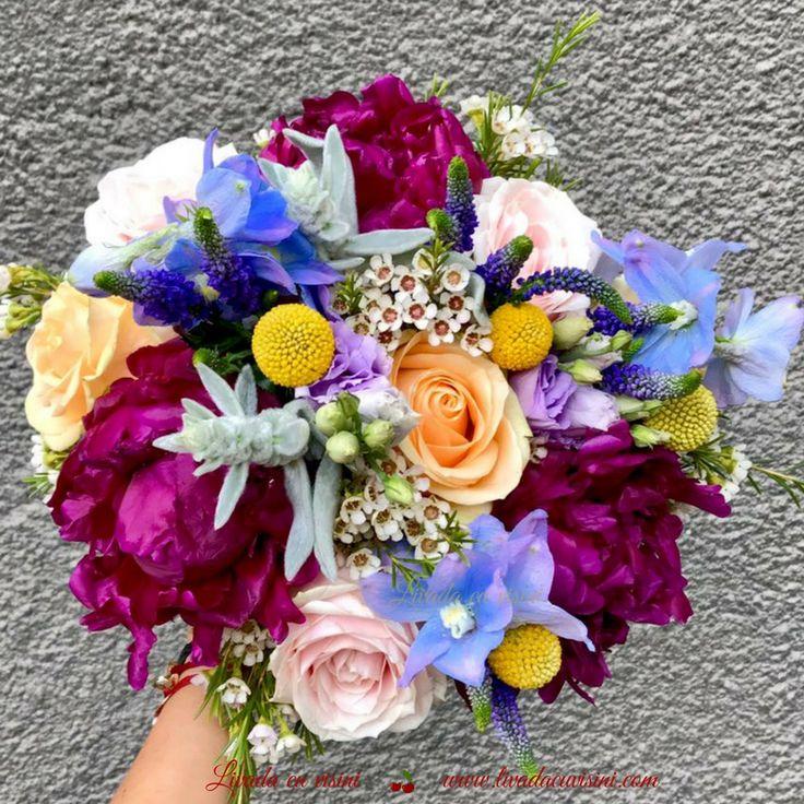 #colors #bride #bouquet #madewithjoy #paulamoldovan #livadacuvisini #buchet #mireasa #nasa #cununie #trandafiri #roses #peonies #peony #veronica #craspedia #frezii #bujori #fresia