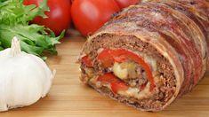 Detta recept är verkligen galet! Servera med potatismos och grönsaker för en fullständig måltid. Ingredienser: 1 kg köttfärs 12 skivor bacon 1 pack (ca 30g) tacokryddor 10-12 skivor ost 2 st paprikor 1 lök Så här gör du: 1. Blanda köttfärsen och tacokryddor i en stor skål. 2. På en ugnsplåt täckt med aluminiumfolie, trycker …