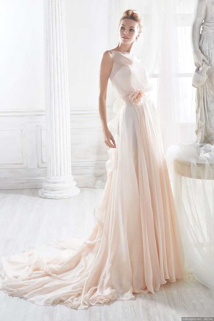 Une robe pêche, vous aimez ? #robe #mariage #mariée #wedding #weddingdress #couleur #mariagesnet #fashion #bride