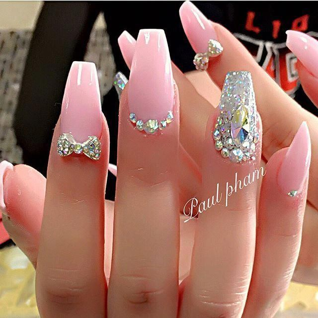 Totally All Things Pretty Love This Nail Art Design With Rhinestones And Stiletto Pinky Nails Design With Rhinestones Coffin Nails Designs Rhinestone Nails