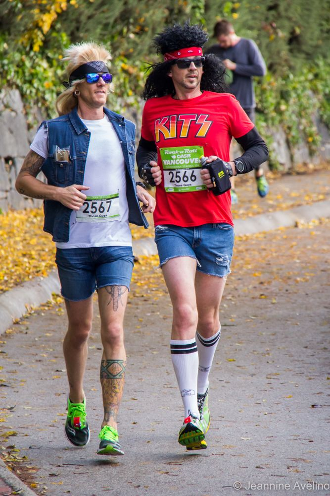 Photo of runner from the Oasis Rock n Roll Vancouver 10K and Half marathon 2016 - photo by Jeannine Avelino - Vancouver running races - Halloween running costumes