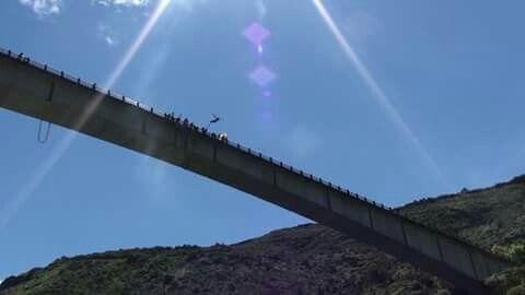 Una postal desde el Puente de Miraglores en Gachala Cundinamarca. Bungee Jumping Colombia